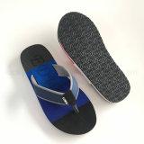 Dos colores de los zapatos de EVA