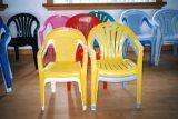 Chaise de plastique de moules