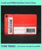 Um Standard Plus Cartão Chave de plástico feitas com código de barras