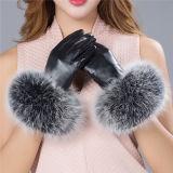 Rexのウサギの毛皮/黒い手袋が付いている工場価格の女性のヒツジの皮手袋