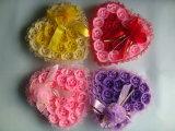 Flores do banho da flor artificial no presente do presente