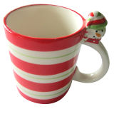 Tasse en céramique peinte à la main de Noël de raie de polka (GW1269)