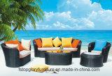 Sofà di tessitura di vimini di colore giallo della mobilia del balcone del rattan del PE (TG-JW32)