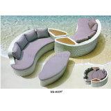PET Rattan-stellte Hand gesponnenes Eckrattan-Sofa auf Verkauf ein
