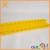 의무 케이블 경사로가 황색에 의하여 1개의 미터 PVC 플라스틱 3 채널 통신로 점화한다