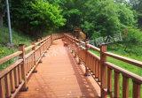 Le WPC ponts composites en plastique en bois massif pour un bon prix fabricant deck extérieur