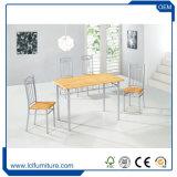 A tabela de jantar de madeira da dobradura por atacado ajustou-se para o casamento