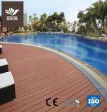 К услугам гостей бассейн на открытом воздухе Композитный пластик WPC декорированных древесины