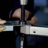Hydraulische einschiebende Maschine mit verschiedenen Befestigungsteilen