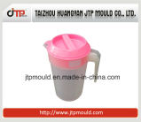 Molde plástico encantador do jarro de água