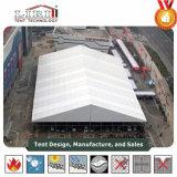 Grande tente pour le salon d'exposition avec l'envergure claire