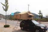 柔らかいシェルの屋根の上のテント