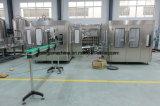 La Cina ha impaccato la linea di produzione di riempimento minerale bevente dell'imballaggio dell'acqua di fonte