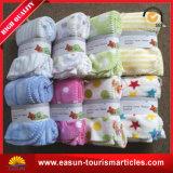 明白な羊毛の柔らかい赤ん坊毛布