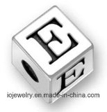 Silberne Großhandelsschmucksache-ovale Alphabet-Zeichen-Raupen