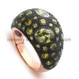 Joyas de acero con anillo de ajuste de corindón con la mano