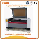 Taglio ed incisione del laser del CO2 per l'acrilico ed il panno