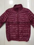 Человека куртки вниз, куртки светлого спуска оптовой продажи, более дешевые куртки зимы цены