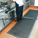 Stuoia di gomma orlata smussata del pavimento, stuoie di gomma del pavimento di olio della cucina utile di resistenza, pavimento esterno della gomma dell'erba