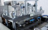 Plastikbehälter, der Maschine herstellt