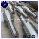 停止する鍛造材によって造られるシリンダー重い鍛造材の熱い鍛造材の部品を放しなさい