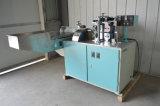 Eine Farben-Trinkhalm-Strangpresßling-Maschine