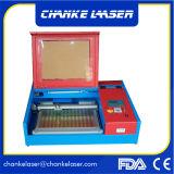 Mini máquina láser 40W para el sello de caucho acrílico hoja