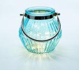 De populaire Blauwe Houder van de Kaars van de Lantaarn van het Onweer van de Lamp van de Verlichting van het Glas met het Handvat van het Staal