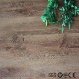 La vendita della fabbrica facile installa lo scatto - chiudere il pavimento a chiave di legno del vinile