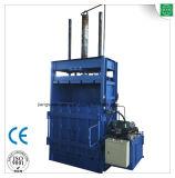 Riciclaggio della macchina per le parti superiori della plastica e della sfera del filo di cotone