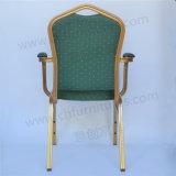 Chaise empilable de banquet de mariage en aluminium avec accoudoir Yc-Af09
