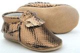 O bebé Toddler calçado de couro Moccasins serpentina com Novo Design