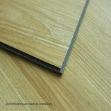 Plancher de luxe imperméable à l'eau de cliquetis de vinyle d'effet en bois normal