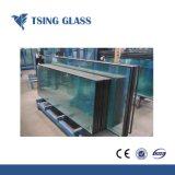 Das farbige glasig-glänzende Panel ausgeglichene hohle Glas löschen und Glas isolieren
