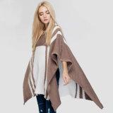 Losse Onregelmatig van uitstekende kwaliteit van de Trui van Vrouwen breit de Poncho van de Sweater
