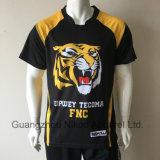 T-shirt van de Sporten van de Sublimatie van de Douane van de Stof van de polyester de In te ademen met het Embleem van de Club