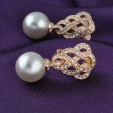 ローズの金の宝石類の合金の水晶真珠のイヤリングデザイン