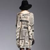 As mulheres de tamanho grande fizeram malha a luva longa da impressão cheia do pulôver da camisola
