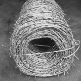 China Atacadista Zhuoda Barbed Wire Fence Low Price