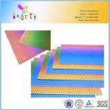 Rainbow colorés pour les bateaux de papier ondulé
