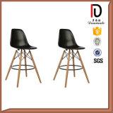 Haut de couleur jambe de bois Eames chaise en plastique
