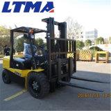 倉庫の物質的な渡す機械装置4トンのディーゼルフォークリフト