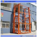 Elevatore verticale idraulico del carico del magazzino approvato Ce da vendere