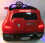 Un giro elettrico dei 4 capretti di Seater sull'automobile con telecomando