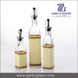 De Fles van het olie-en azijnstelletje, van het Kruid & van de Olie voor het Keukengerei dat van de Specerij van het Huishouden wordt geplaatst