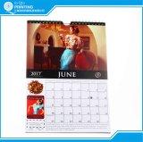 Impression neuve de 2018 calendriers avec la bride de fixation