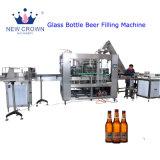 Venta caliente popular cerveza pequeña botella de vidrio máquina de llenado/ barata Isobaric automático de la tapa corona cerveza embotellada Máquina de Llenado