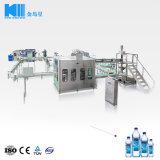 in pieno macchina imballatrice di contrassegno di coperchiamento di riempimento di lavaggio di salto di sigillamento della bottiglia di acqua minerale pura automatica 12000bph