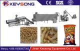 Maquinaria de alimento expulsa dos petiscos de Cheetos