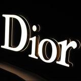 La mode faite sur commande le métal qu'acrylique de DEL s'allument marque avec des lettres vers le haut le signe